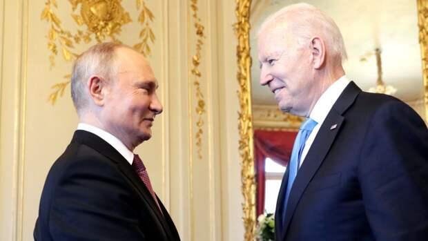 Байден утвердительно кивнул в ответ на вопрос о доверии к Путину