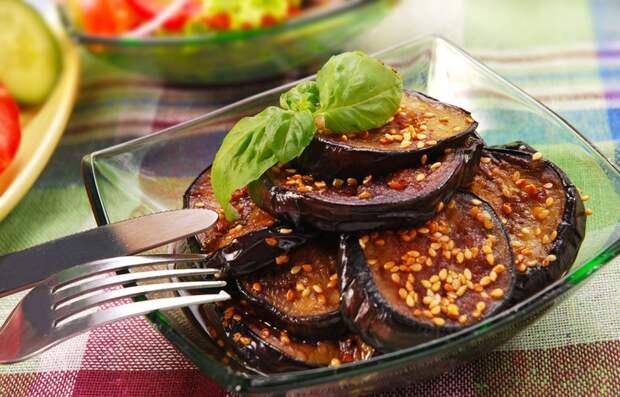 Баклажаны с кунжутом в соевом соусе