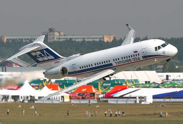 К 20-летию первого полета Ту-334: недорожденный и люди за бортом