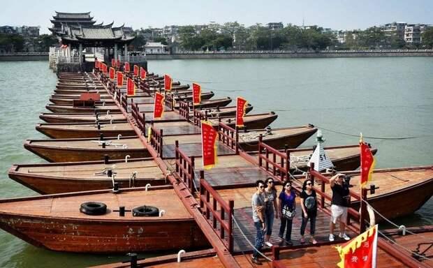 Древний китайский плавающий мост Гуанцзи
