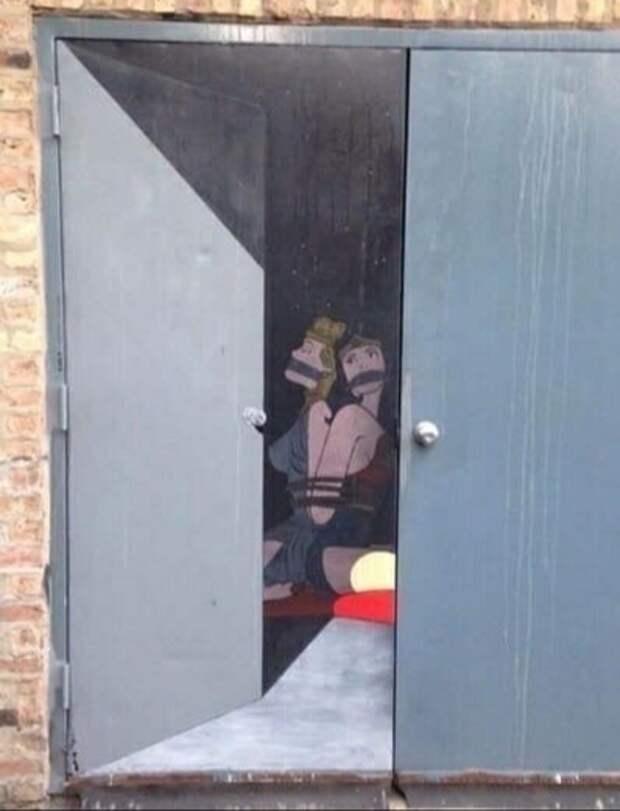 Роспись дверей в гараж