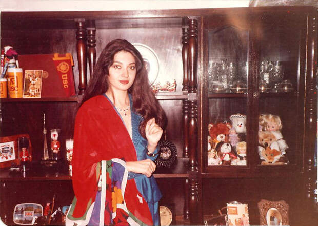 красивая женщина турчанка Назан Саатчи фото