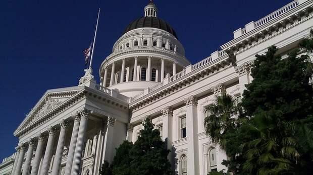 Сенат США принял резолюцию против быстрого вывода войск из Сирии и Афганистана