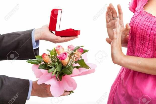 Кого вы выберете – жадного любителя свободы или щедрого любителя брачных оков?