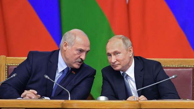 Суздальцев объяснил, почему Лукашенко нужна встреча с Путиным в Москве