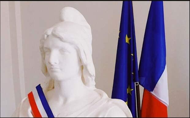 Франция опять пытается манипулировать Россией