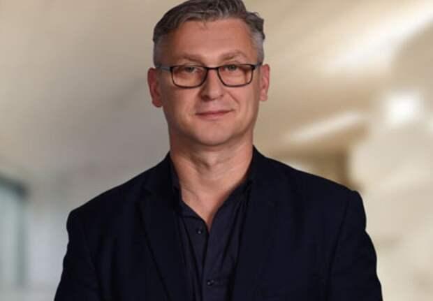 Ответственный дежурный Антон из «Каникул Петрова и Васечкина» и в жизни стал руководителем