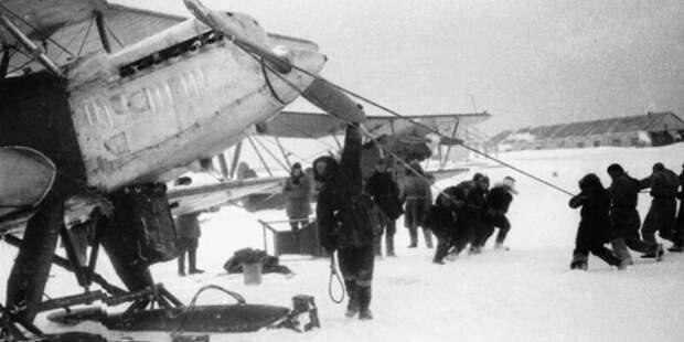 Как советские лётчики предотвратили гибель челюскинцев