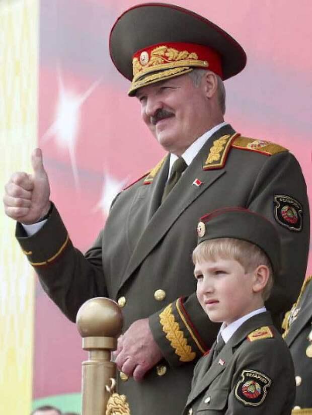 С детства принимал парады с отцом. Фото: Nikolai Petrov/AP/East News