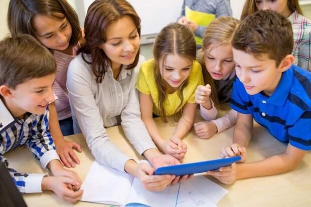 Расскажите ребенку, как будет интересно в школе/Fotobank