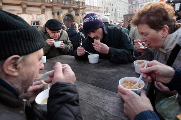 В Росстате сообщили о снижении уровня бедности в РФ