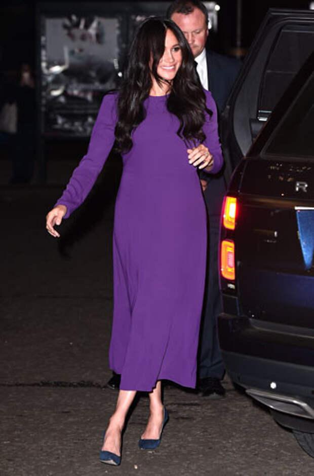 фиолетовый цвет в одежде герцогиня Меган Маркл