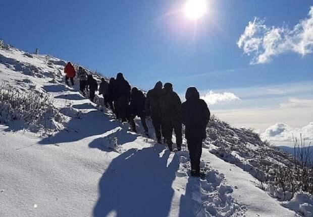 На Кубани казаки и школьники покорили гору Семашко