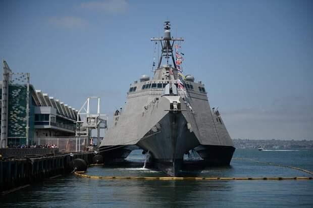Балтийский флот ведет слежку за эсминцем Ross ВМС США