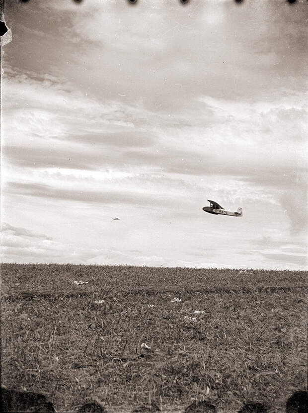 1930s Glider J-BADL in Flight