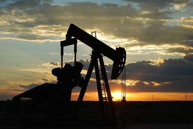 Сокращение запасов нефти может привести к росту цены до $74 за баррель