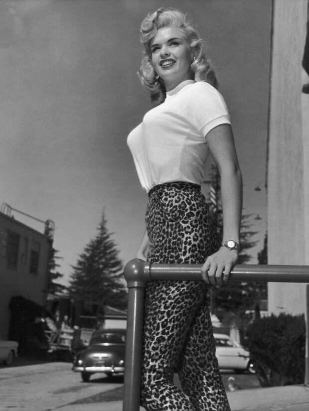 Бюстгальтеры «Пуля» — незаменимая деталь, пользовавшаяся популярностью в 1940-х и 1950-х годах