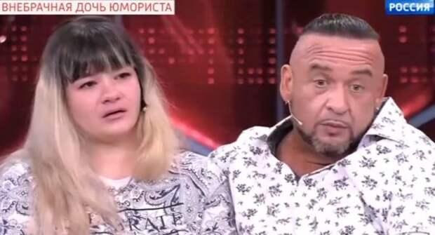 В историю воссоединения Александра Морозова с дочкой подлили дёгтя её приёмная мама и свекровь