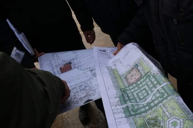 Попытка № 5: в Новомосковске вроде как начали ремонтировать площадь