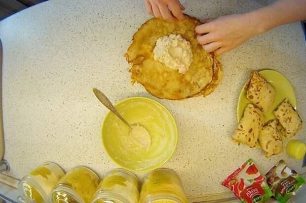Фото к рецепту: Блинчики с креветками и бананами