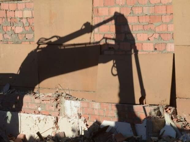 В ЦАО Москвы с начала года демонтировали почти 100 самостроев