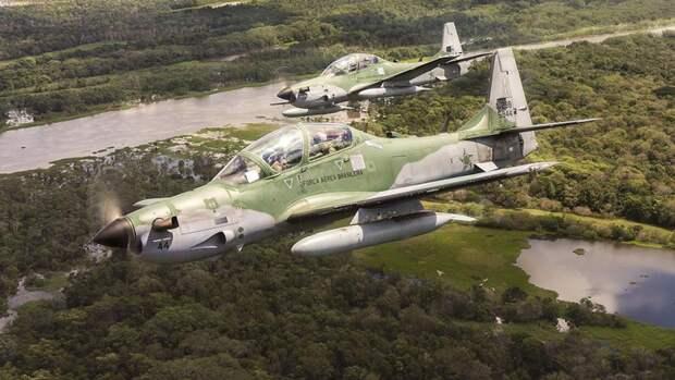 Легкий турбовинтовой штурмовик Embraer A-29 Super Tucanos ВВС Бразилии