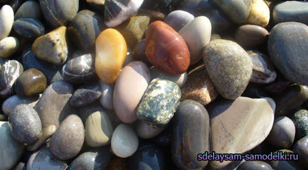 Магнитики из морских камешков