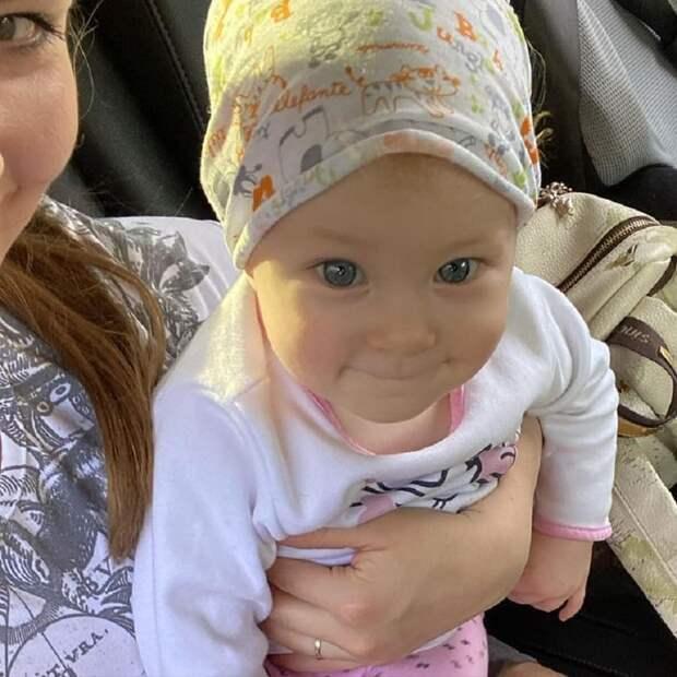 Юлия Липницкая показала годовалую дочь