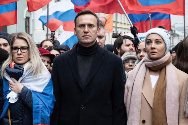 Кабмин ФРГ заявил об отравлении Навального веществом группы «Новичок»