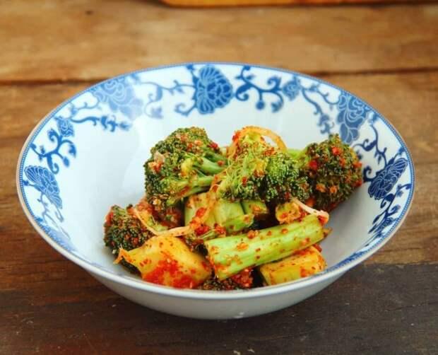Кимчи из брокколи (브로콜리 김치)