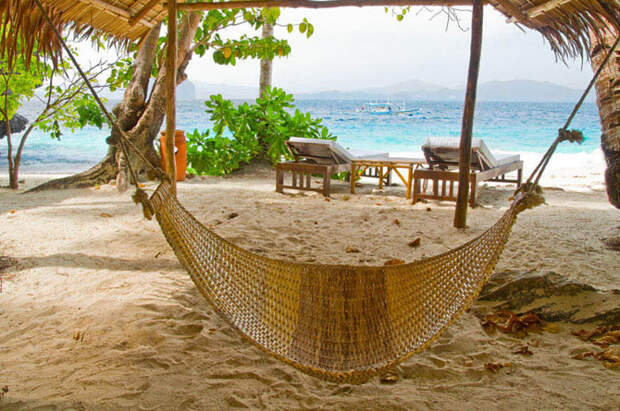 25 мест идеальных для того, чтобы полежать в гамаке