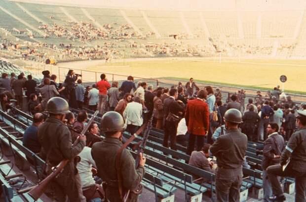 Фото 12. Стадион-концлагерь. Кстати, туда водили журналистов.jpg