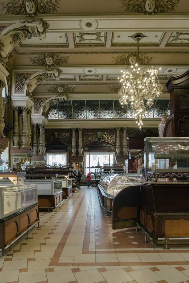 Как выглядит опустевший магазин «Елисеевский», который стал никому не нужен