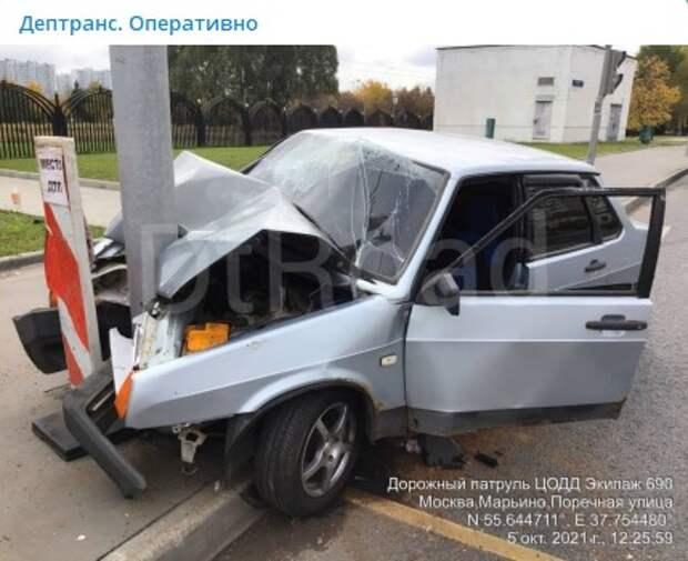 В ГИБДД раскрыли подробности аварии со столбом на Поречной