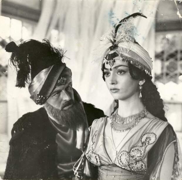 Тамара Яндиева в роли принцессы Эсмигюль