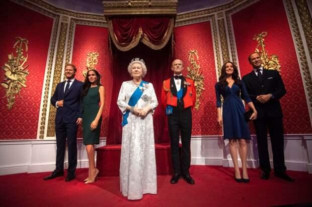 Принц Гарри и Меган Маркл откажутся от привилегий и будут сами зарабатывать