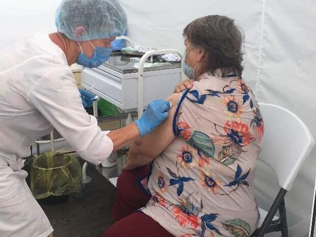 На Центральной площади Ижевска создали постоянный пункт вакцинации от коронавируса