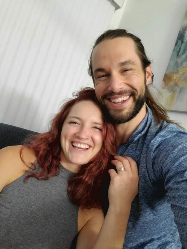 Любовь напоказ: горячая парочка изКалифорнии занимается сексом перед незнакомцами заденьги