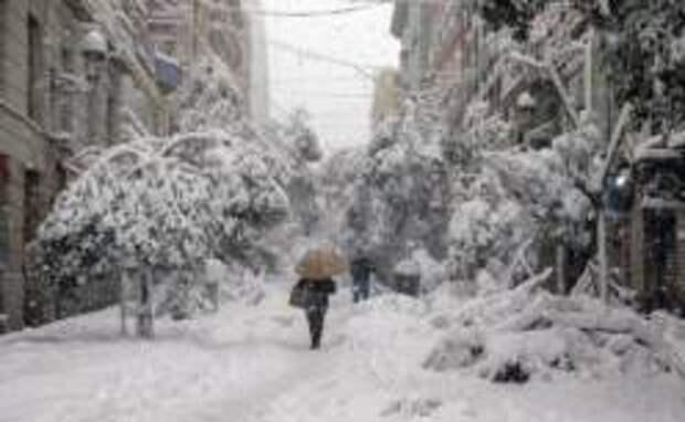 Снегопады в Европе приостановили вакцинацию