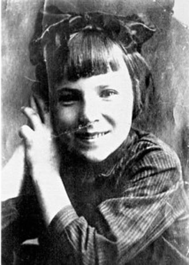 Лидия Литвяк в детстве