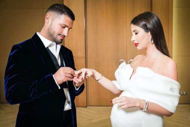 Невеста с пузом