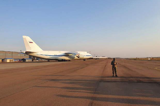 Ракетоносцы Ту-160 совершили рекордный перелет в Южную Африку