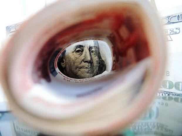 Уровень дряхлости: рубль готовится упасть до 70 за доллар