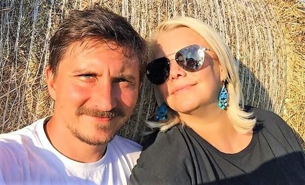 «Никогда ради детей не стоит отказываться от любви»: Яна Поплавская об отношениях после брака