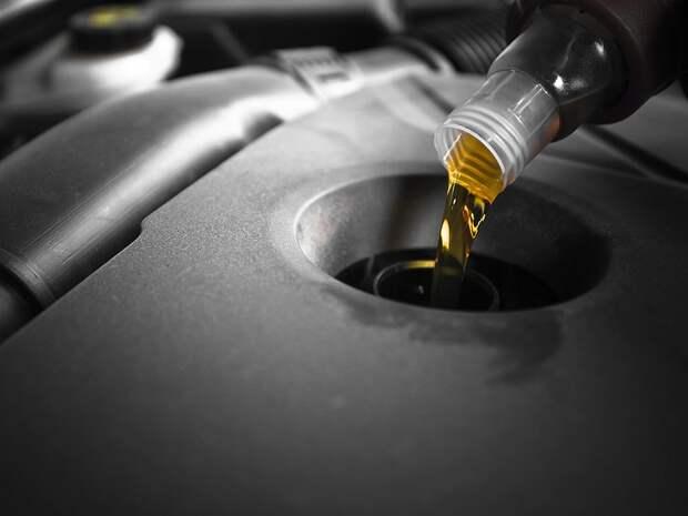 Почему прозрачное масло убивает двигатель машины
