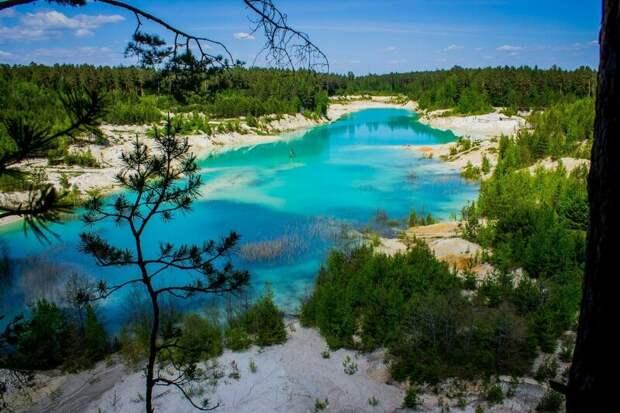 «Уральский Бали»: белоснежные берега и лазурно-бирюзовая вода — откуда на Урале появилась такая красота