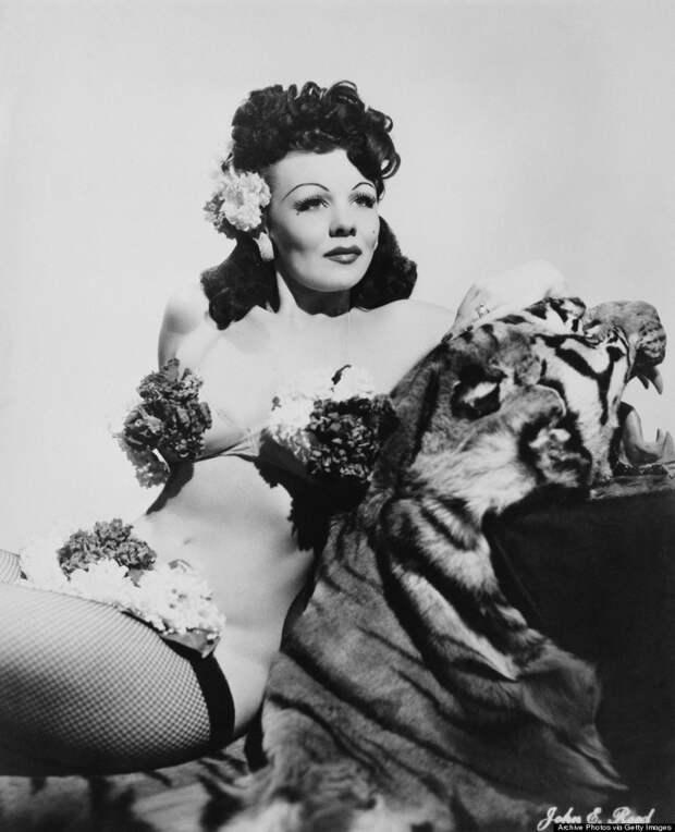 burlesque03 Краткая, но потрясающая история бурлеска в 1950 х годах