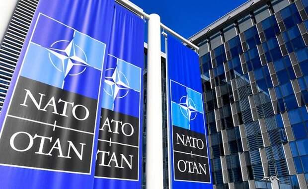 Лавров дал понять: НАТО пришло время умереть