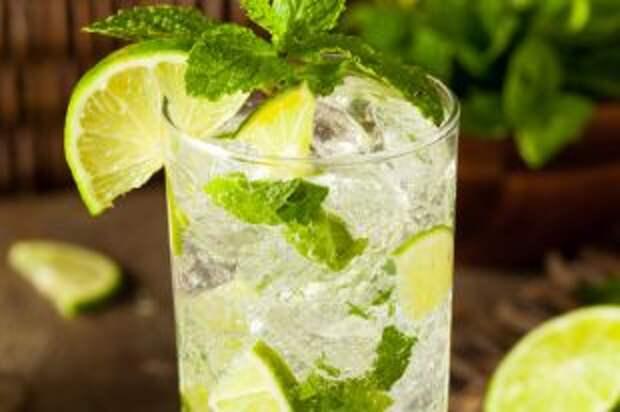 Какой алкогольный напиток лучше пить в жару?