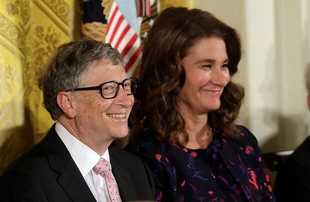 Дочь Билла Гейтса назвала непростым периодом жизни развод своих родителей
